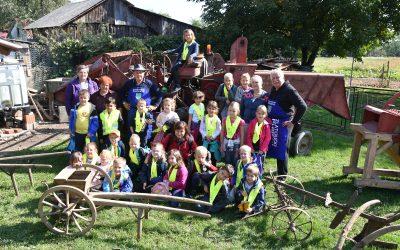 Ogled zbirke kmečkega orodja, opreme in strojev v Zlatoličju